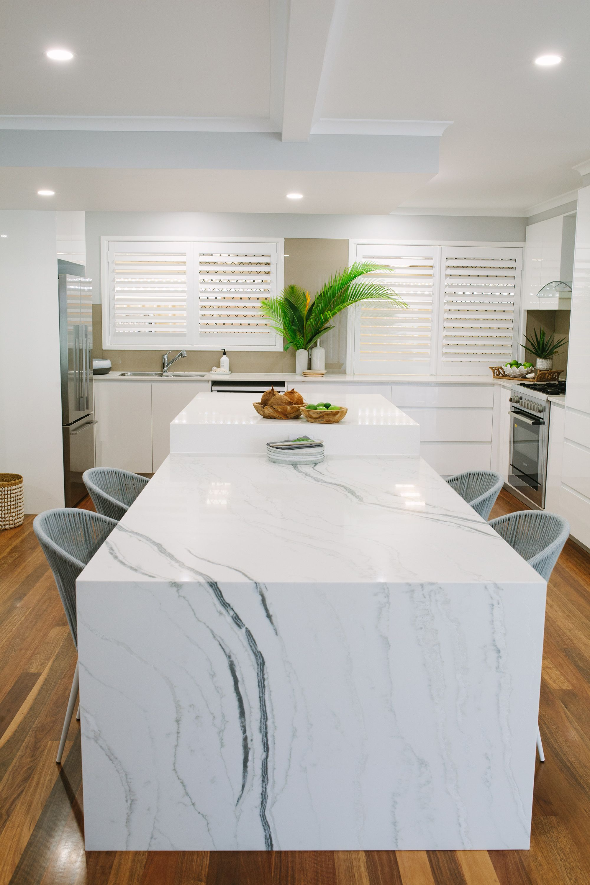 Arki Haus Smartstone Island Benchtop And Dining Table Top In Bianco Molasa Streamlined With A 50mm A White Modern Kitchen Kitchen Island Quartz Kitchen Redo
