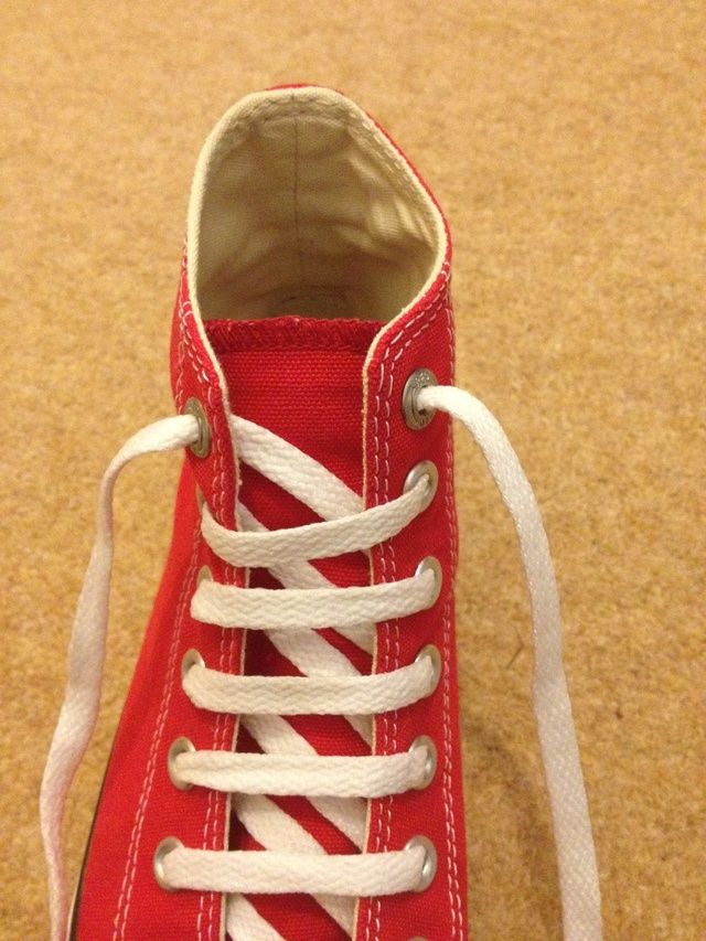 85c1073f346c How to Bar Lace Converse Chuck Taylor s