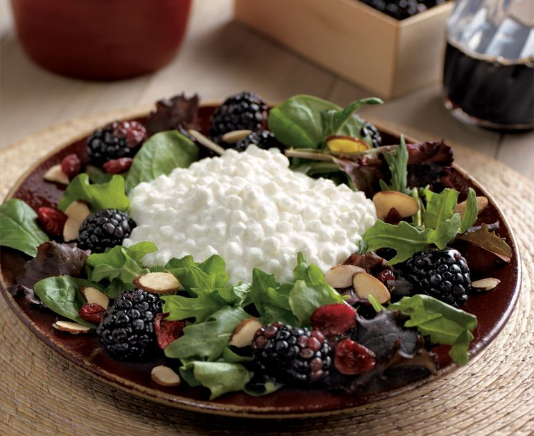 Blackberry Salad Daisy Brand Sour Cream Cottage Cheese Recipe Sour Cream Recipes Best Fruit Salad Healthy Protein Breakfast