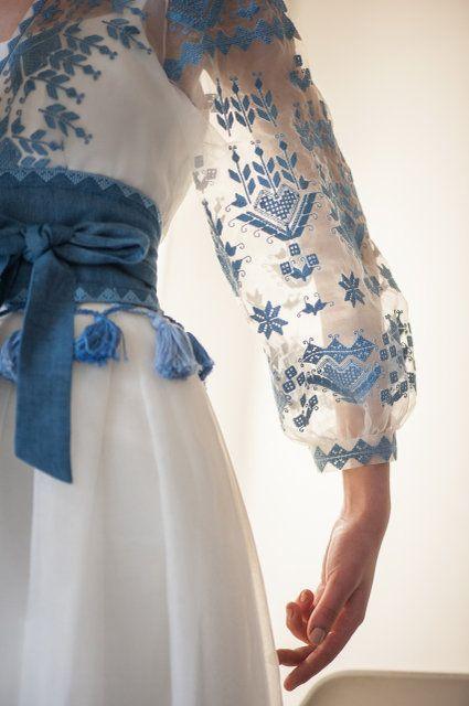 Ексклюзивна дизайнерська сукня  0b448b1999720