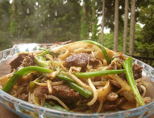 eatingclub vancouver: Hong Kong-style Stir-fried Rice Noodle with Beef (乾炒牛河)