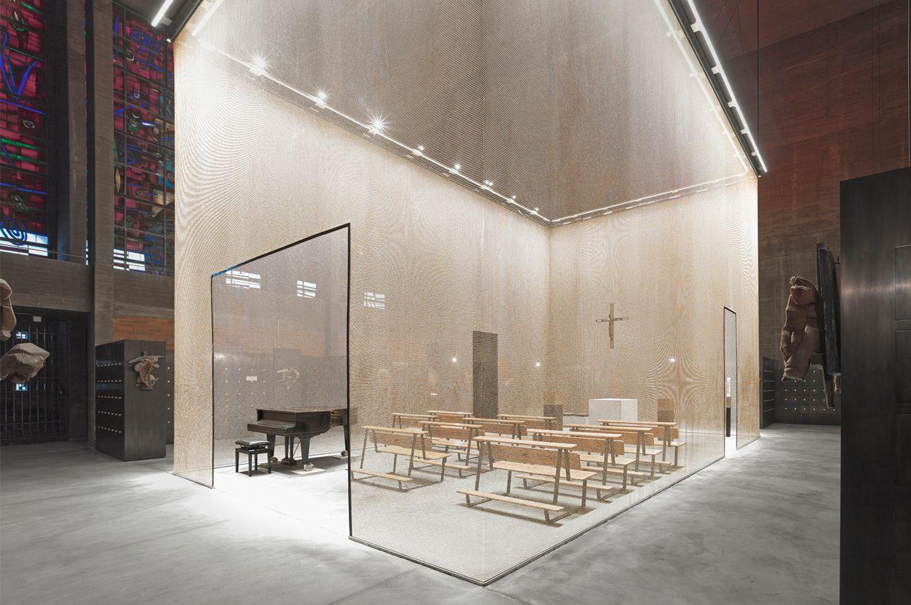 Umgestaltung der kirche sankt bartholom us in ein for Innenarchitektur 1960