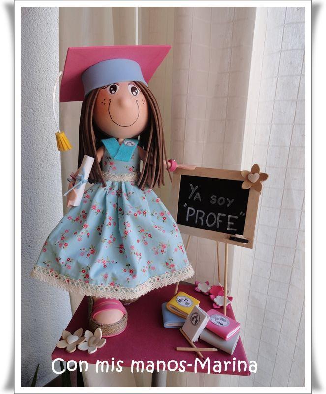 Fofucha graduacion magisterio con vestido en tela estilo pinup y zapatillas de esparto www.facebook.com/ConmismanosMarina