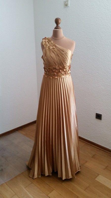 Kleid | Goldenes kleid, Abendkleider und Damenmode