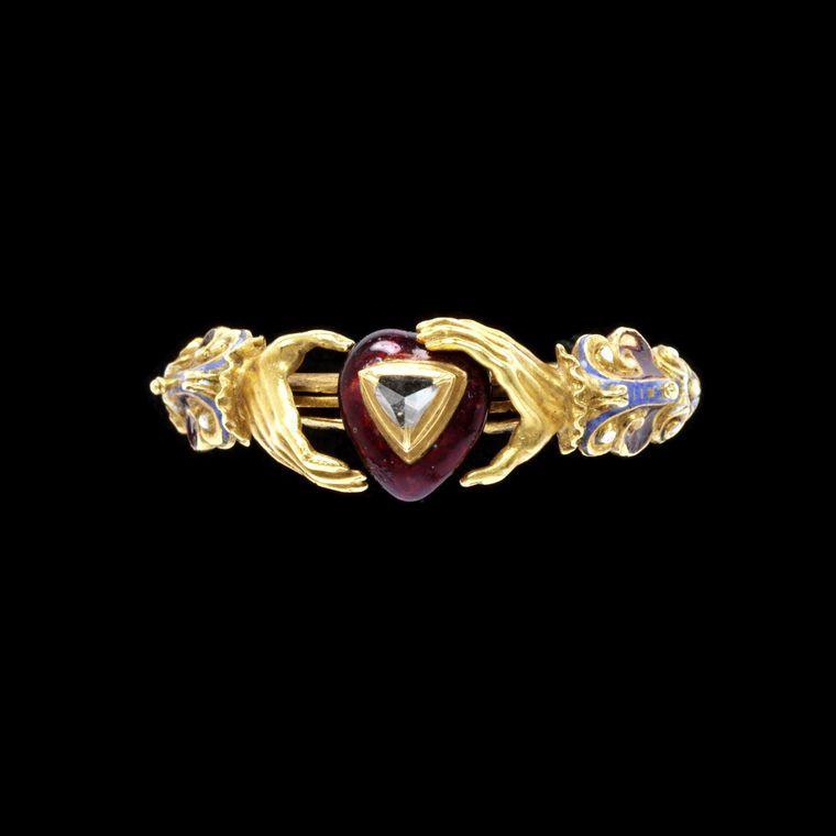 V&A Museum Fede Gimmel heart diamond ring