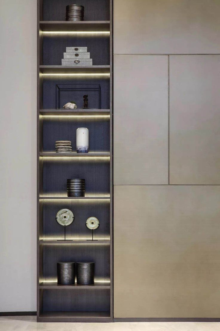 Nice Shelves With Led Lighting Hubsches Regal Mit Led Beleuchtung Lighting Spacemanagement Shelving Beleuchtung Raummana Interior Shelves Cabinet Design