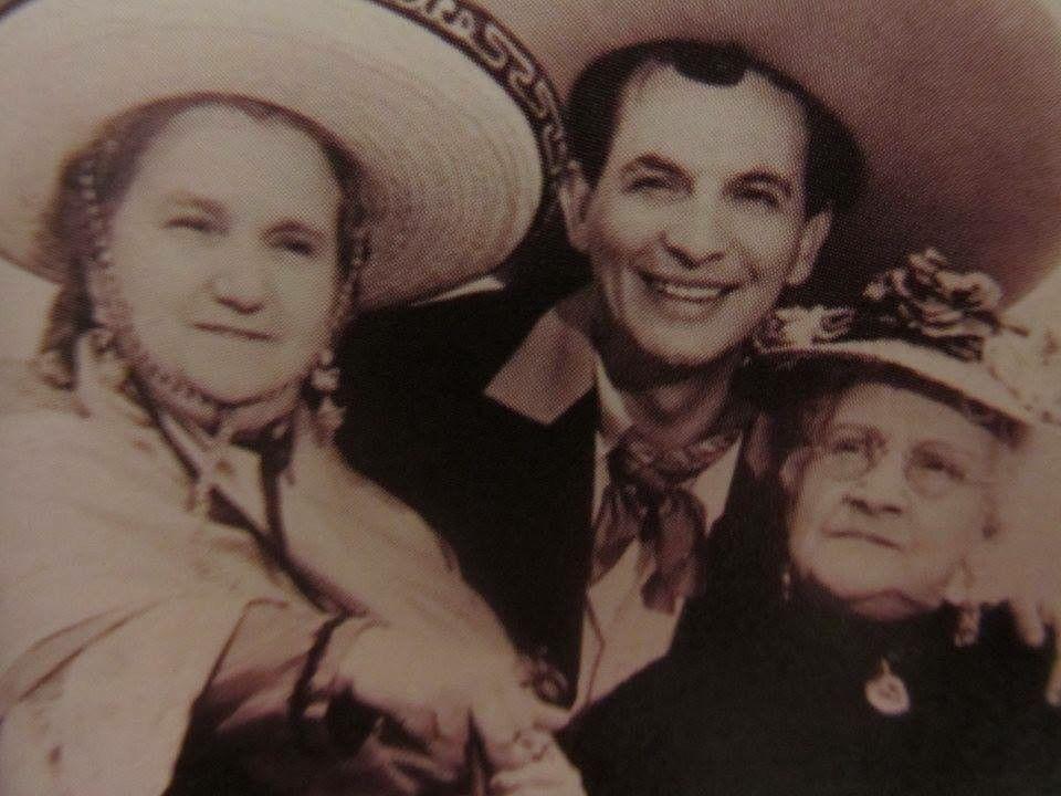 Sara Garcia Clavillazo Y Prudencia Grifell Viva México Cabrones