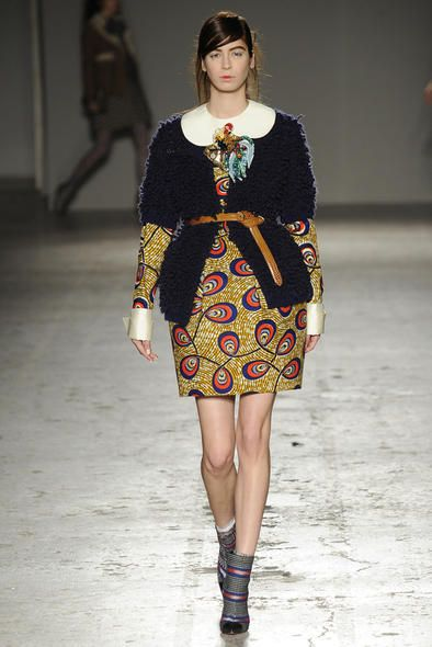 Ecco uno dei modelli della collezione autunno inverno 2014-2015 presentato a Milano Moda Donna da Stella Jean