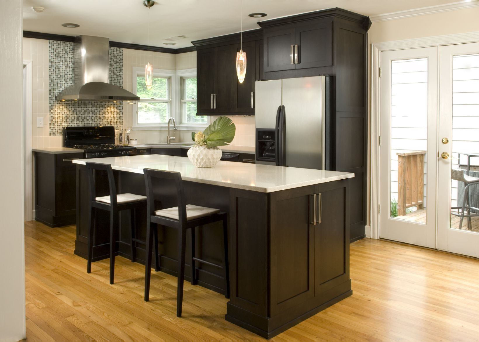 52 Dark Kitchens With Dark Wood Or Black Kitchen Cabinets 2020 Dark Kitchen Cabinets Hardwood Floors In Kitchen Kitchen Design Small
