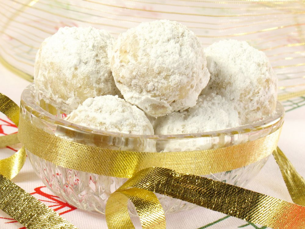 Learn to make Paleo Mexican Wedding Cookies or russian tea cakes ...