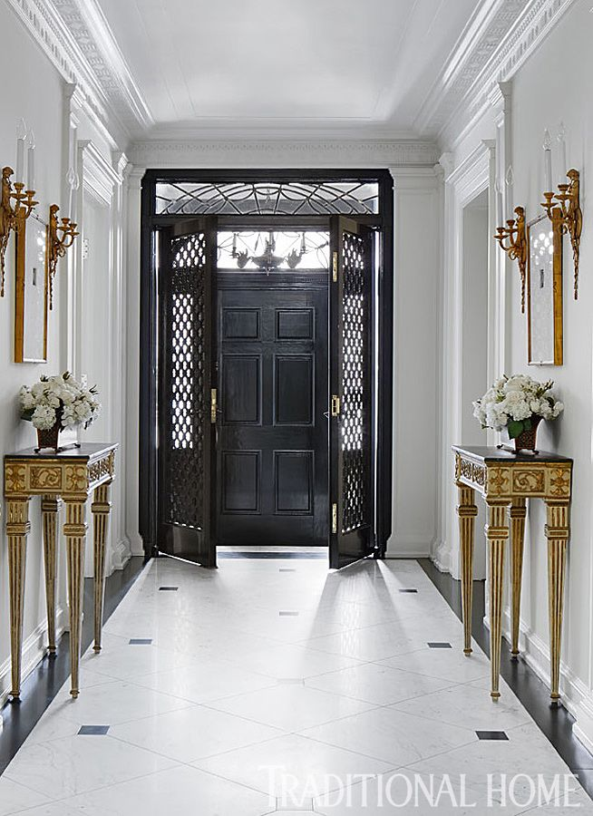 Stunning Chicago Home In Quiet Colors Making An Entrance