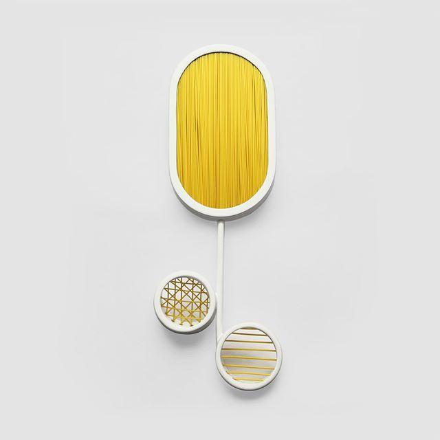 Kanavice 2 Series , You Two, Brooch, 2016. STUDIO ZIGZAG powder coated brass, re-cycled plastic (nylon wire) #studiozigzag #snemyildirim #contemporaryjewelry