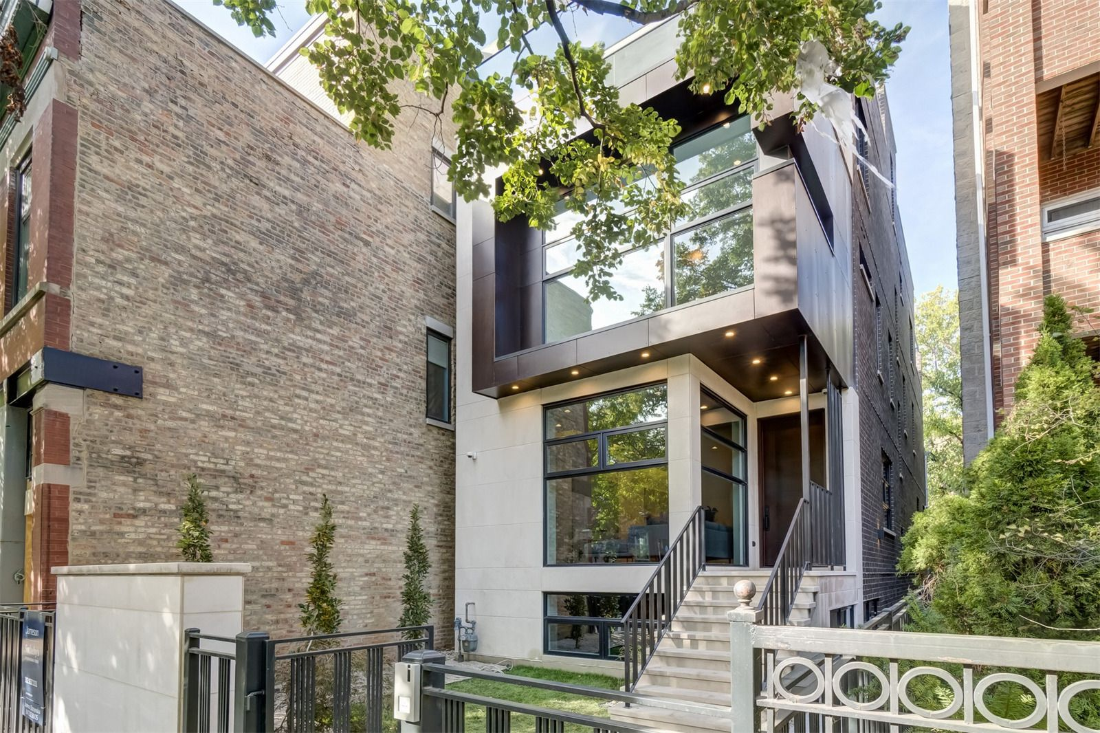 luxury homes for sale in northbrook il