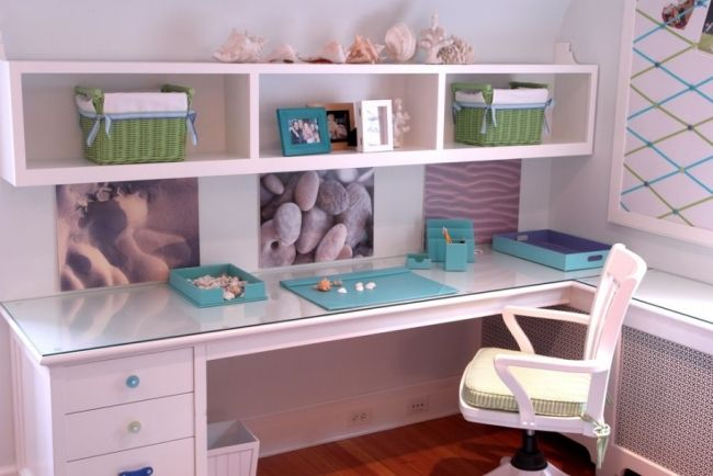 ideen jugendzimmer m dchen eckschreibtisch regale muscheln kinderzimmer. Black Bedroom Furniture Sets. Home Design Ideas