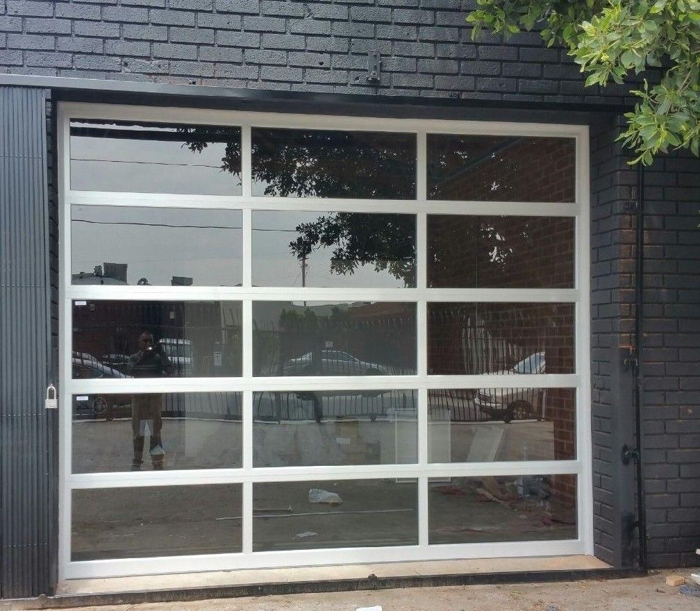 Luxgaragedoors Clearglass Glass Garage Door Clear Garage Doors Garage Door Styles