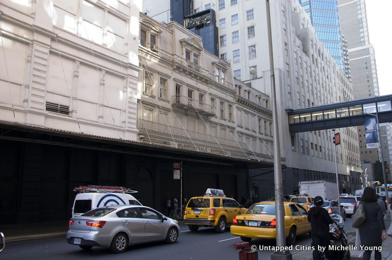 Daily What An Original French Inspired Facade Of Bloomingdale S Department Store In Nyc Roofing Roof Shingles Roof Architecture