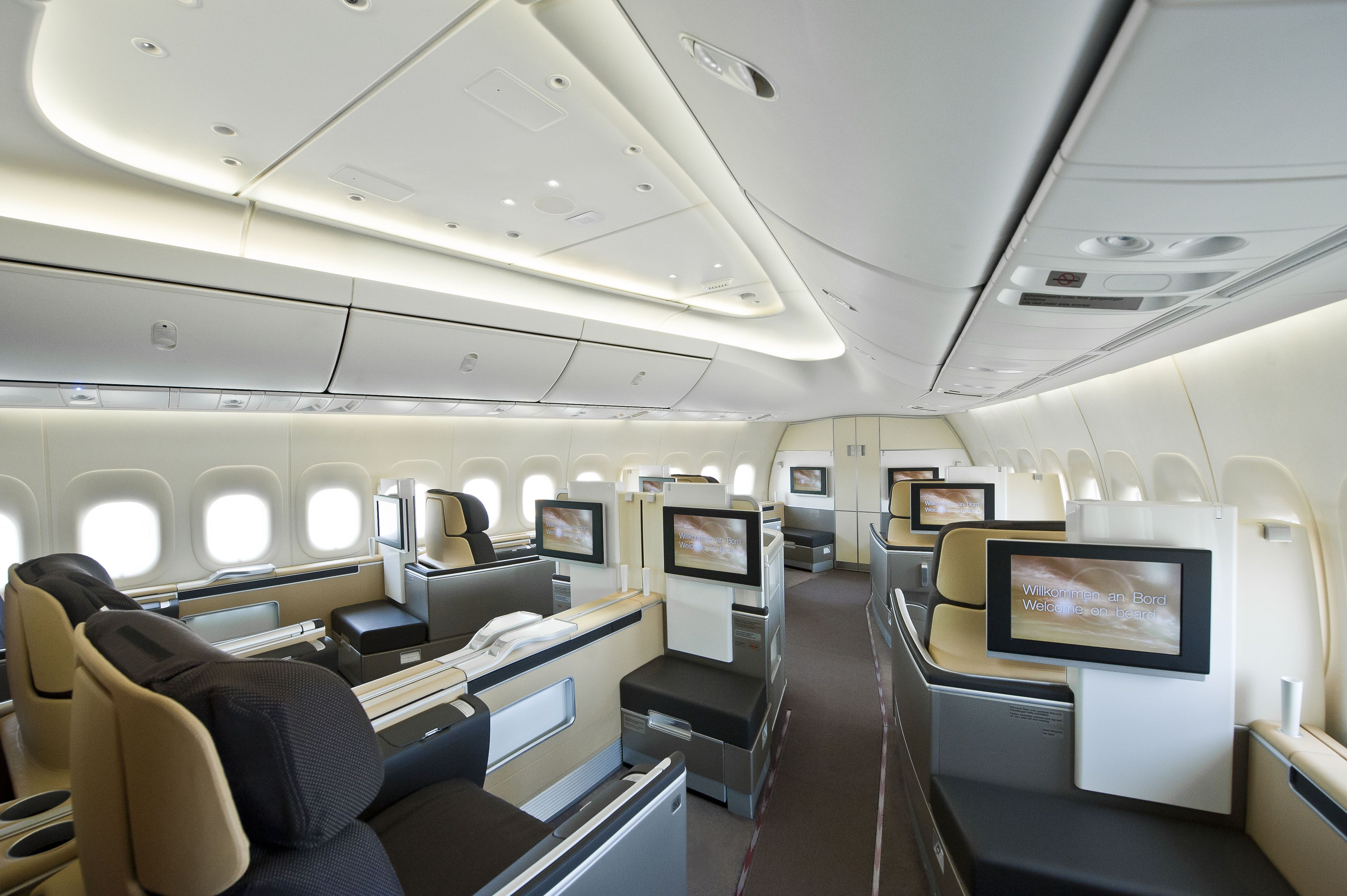 Lufthansa 747 8i business interior now this is what i 39 m for World class photos pictures