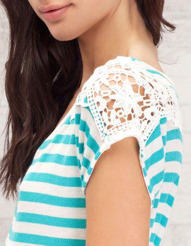 Camiseta crochet en el hombro