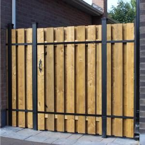 Slipfence 70 In X 1 1 4 In X 1 1 4 In Black Aluminum Fence Channels For 6 Ft High Fence 2 Per Pack Includes Screws Sf2 Hck06 The Home Depot Wood Fence Gates Metal
