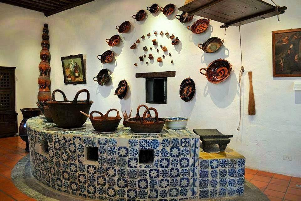 Cocina de le a acabado talavera metate y barro home for Decoracion colonial mexicana