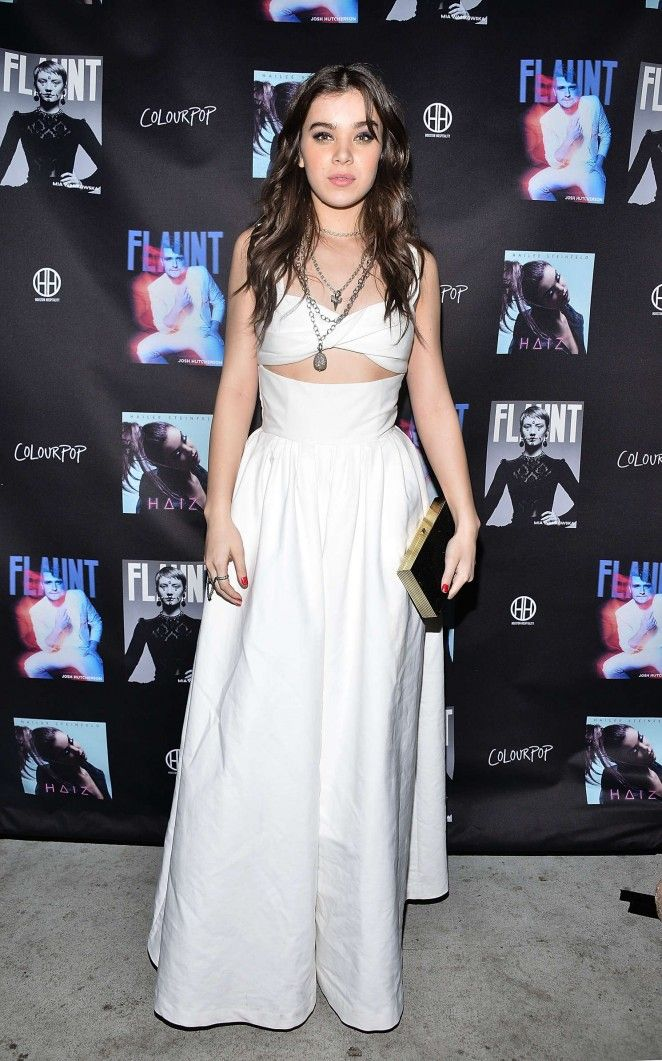 Hailee Steinfeld white cut-out gown | Red Carpet Review | Pinterest ...