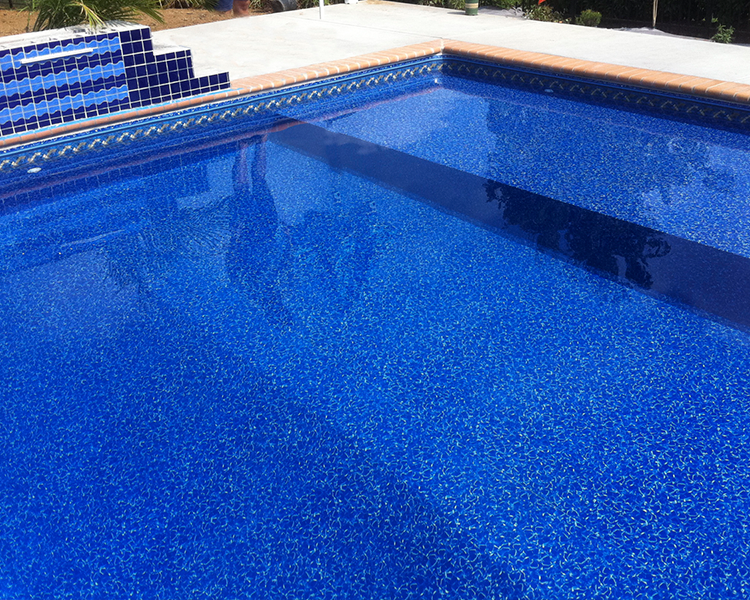 Barclay in ground swimming pool vinyl liner with a for Pool design with tanning ledge