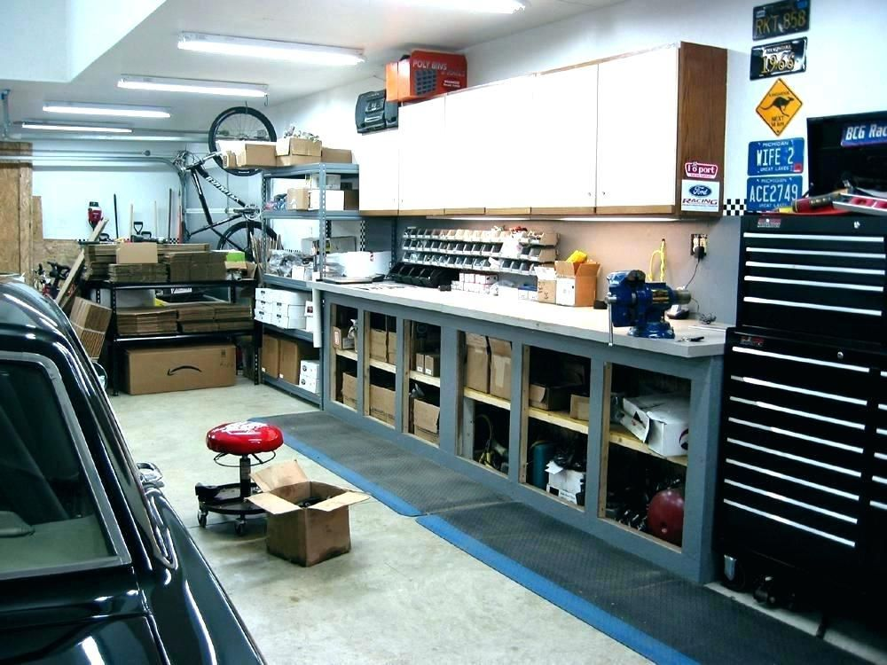 42 Garage Workshop Mechanic Projects Outsideconcept Com Garage Workshop Garage Lighting Garage Design