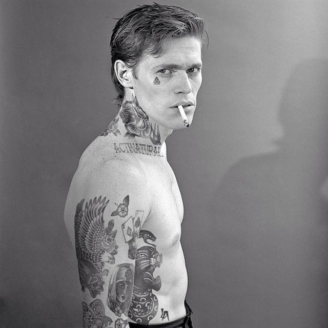 Old and comtemporary Celebrities covered in tatoos 15
