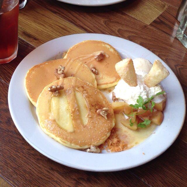 j s pancake cafe アップル シナモン パンケーキ food breakfast sweets