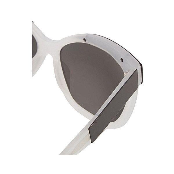 LINDA FARROW Angular cateye sunglasses (€285) ❤ liked on Polyvore featuring accessories, eyewear, sunglasses, 2016 sunglasses, linda farrow sunglasses, cat eye sunnies, mirrored lens sunglasses, cat eye glasses and cateye sunglasses