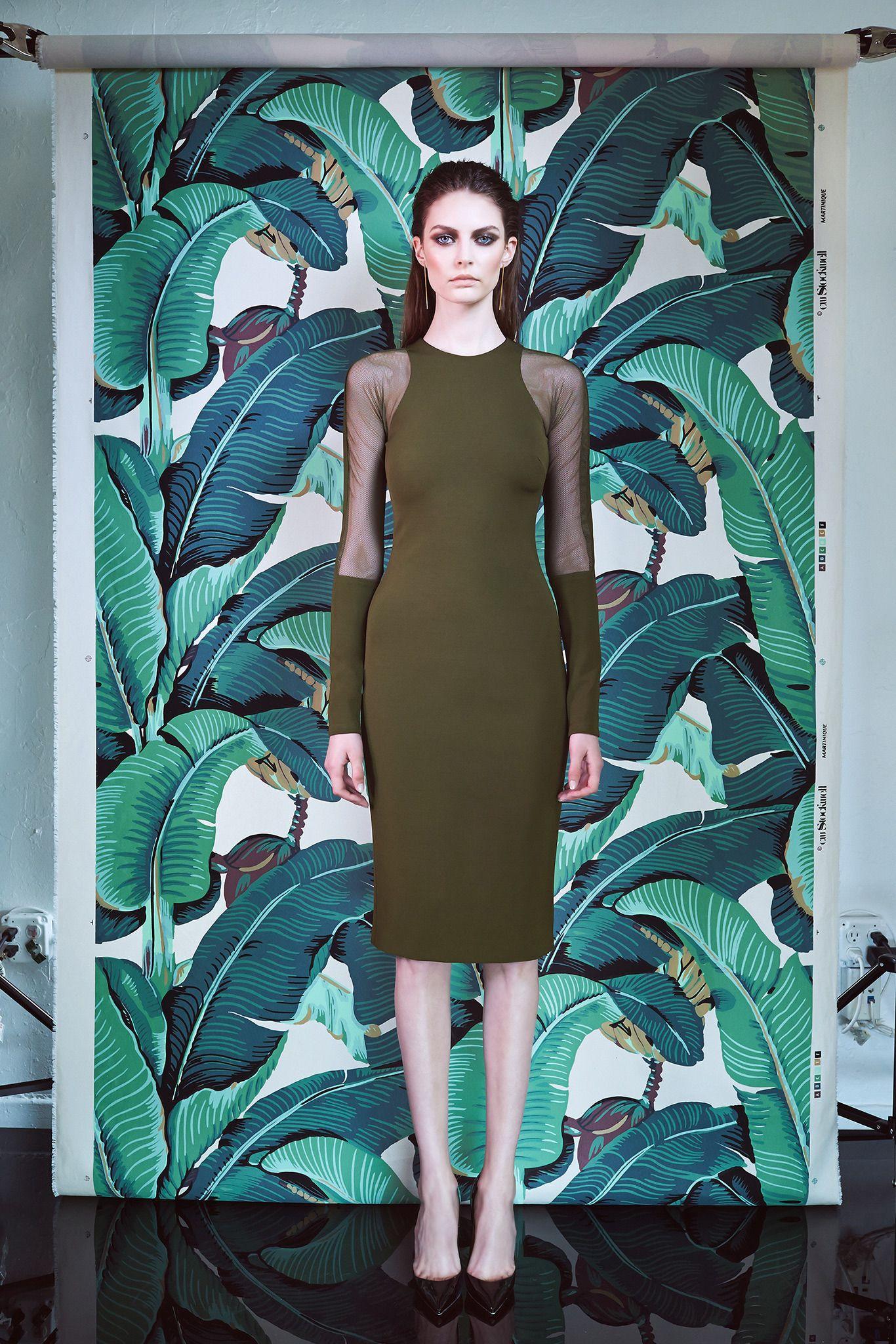 Green long sleeve cocktail dress  Cushnie et Ochs  Resort    Green midi dress with sheer long