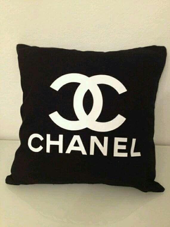 Coco Mat Kussen.Kussen Chanel Chanel In 2019 Chanel Bedroom Bedroom Decor