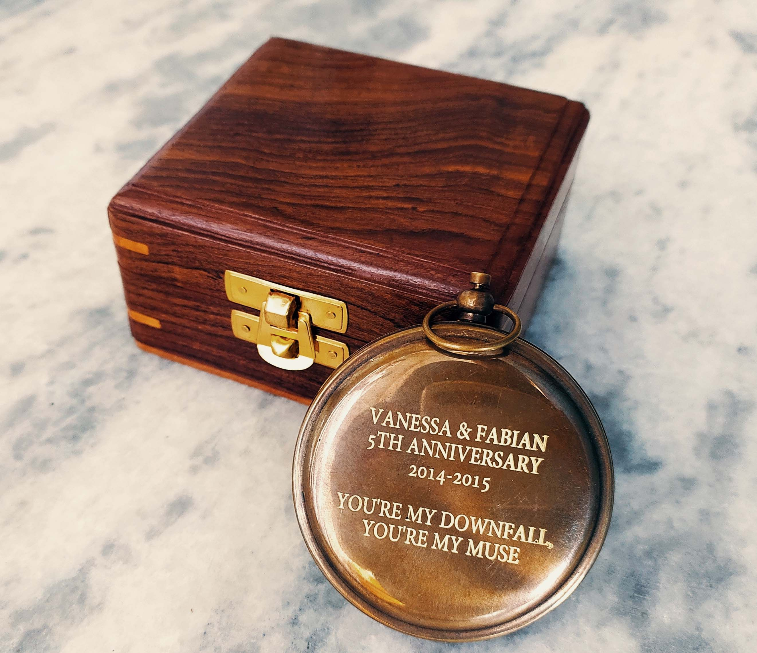 Personalized Sundial Compass With Leather Case Traveler Gift Etsy Personalized Compass Personalized Gifts For Men Engraved Gifts