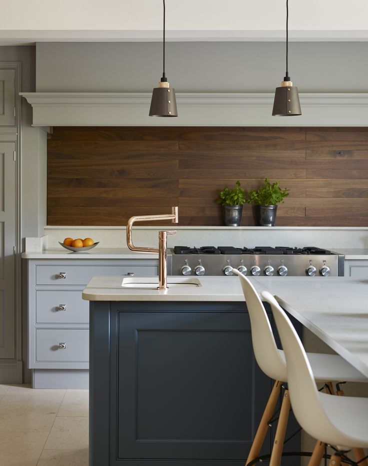 Martin moore 39 s new classic kitchen with sculptured walnut for Country kitchen splashback ideas