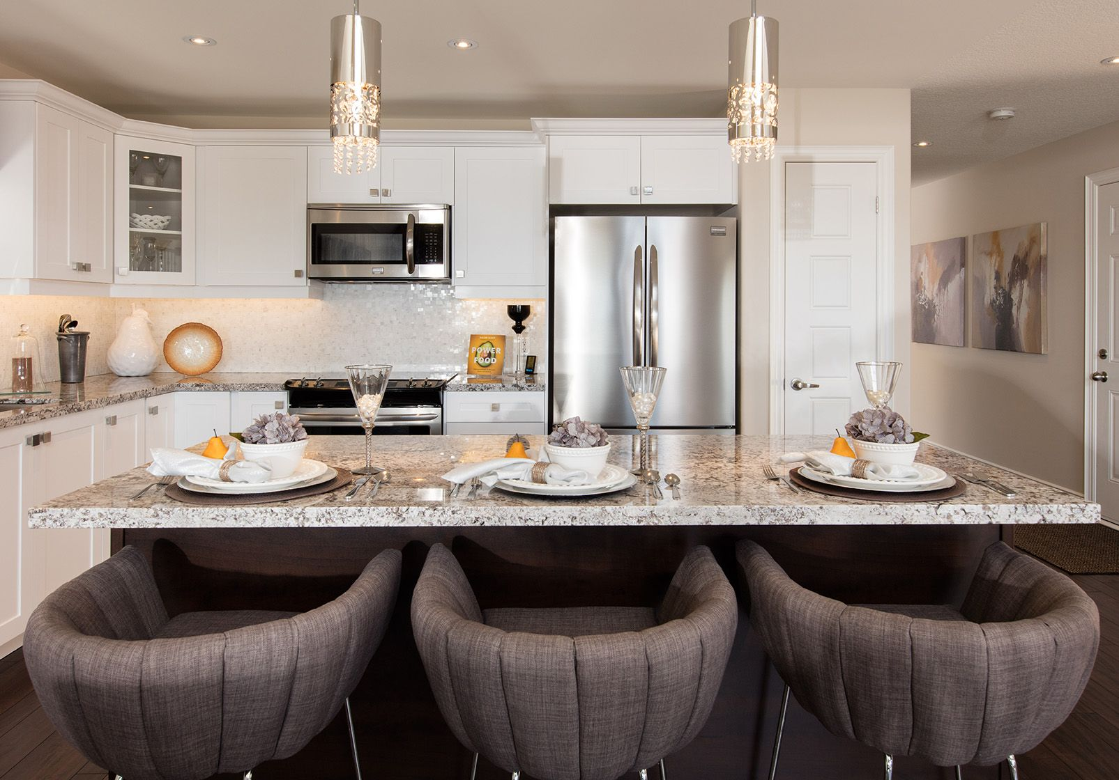 The Beautiful Light Filled Kitchen At The Rosedale At Parklands In Peterborough Ontario Www Masonhomes Ca Mason Homes New Home Builders Home