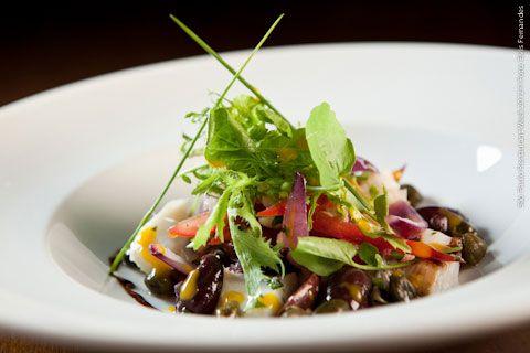Botica do Quintana (almoço)    Salada italiana tomate italiano, berinjela, mussarela de búfala com presto de hortelã