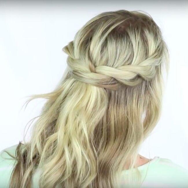enkel håruppsättning bröllop