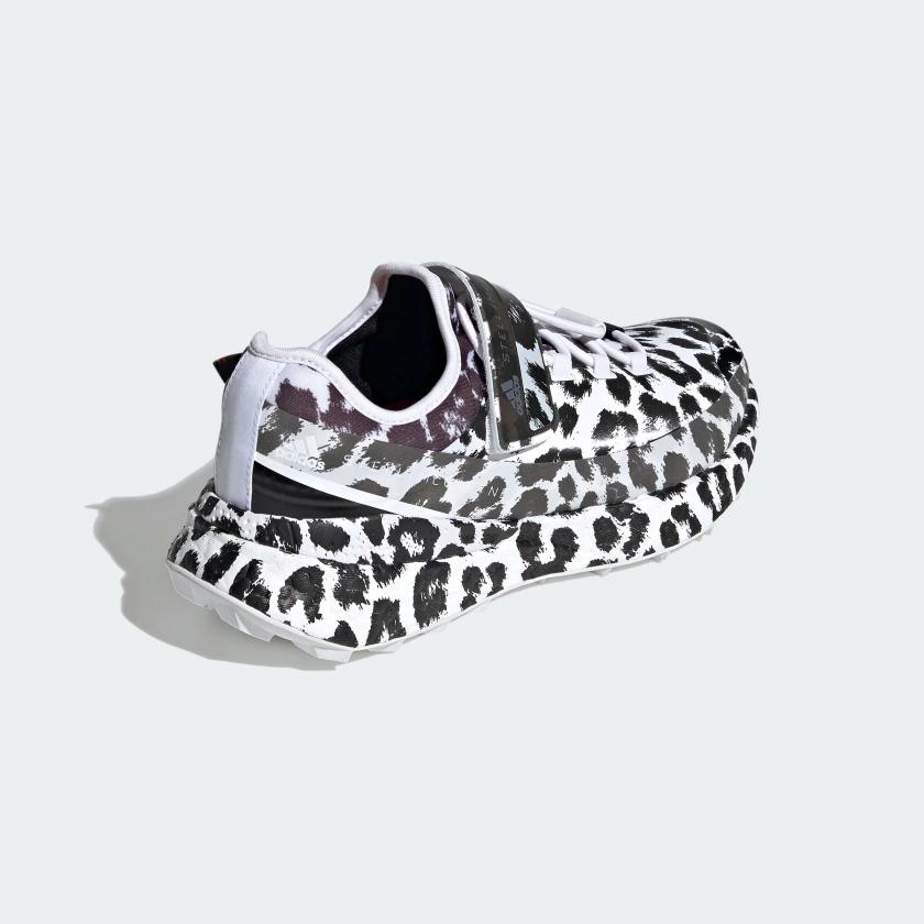 incrementar emulsión punto final  Zapatilla adidas by Stella McCartney Outdoor Boost RAIN.RDY - Blanco en  adidas.es! Descubre todos los estilos y c… en 2020 | Stella mccartney,  Zapatillas adidas, Zapatillas
