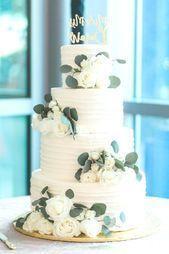 Hochzeitstorten einfach #Hochzeitstorten Hochzeitstorte Blumen grün und weiß ….