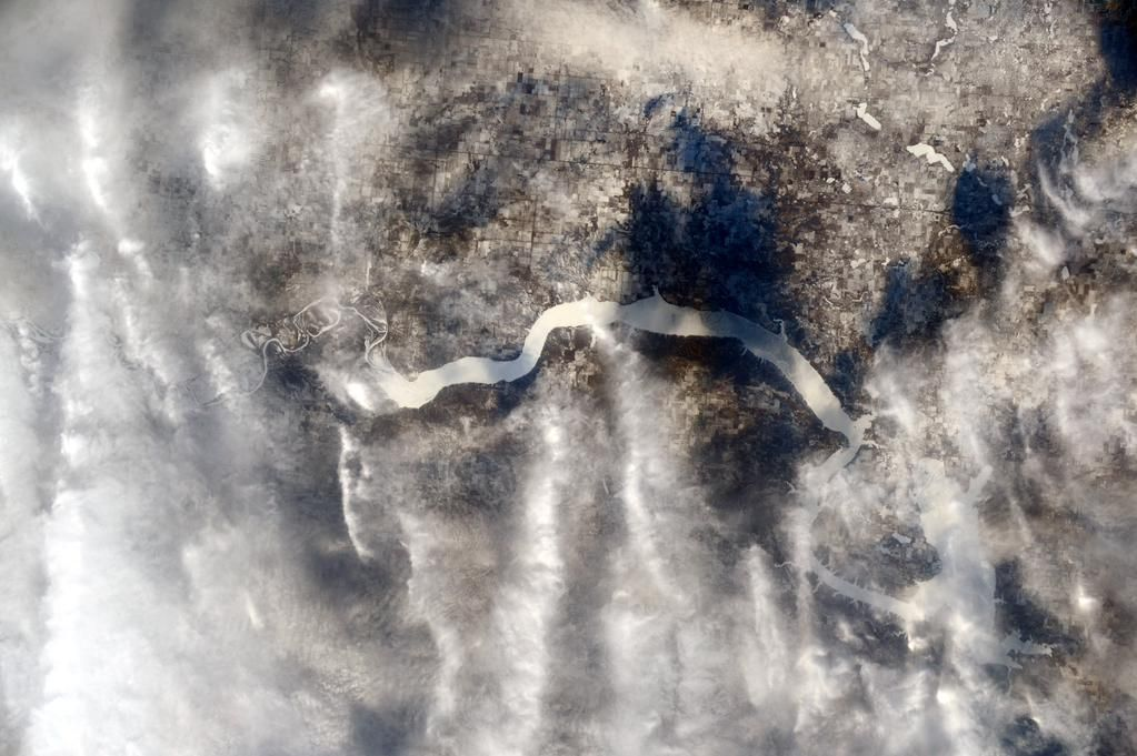 (IT) Sfumature di bianco sul fiume Missouri e il Lago Sakakawea - sembra gelido giù in #NorthDakota!