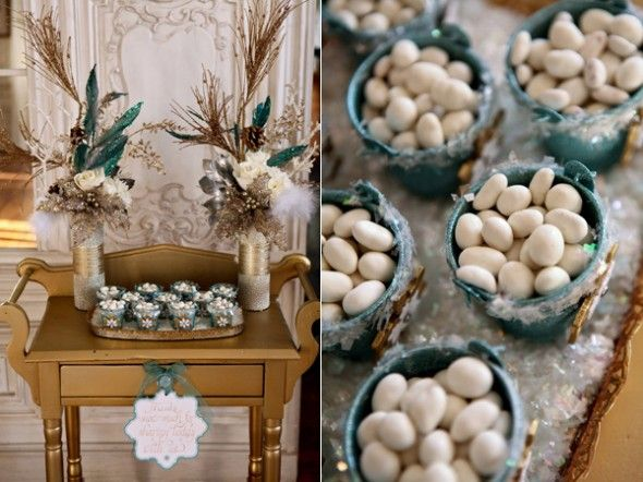 ruffled gold and minty winter wedding
