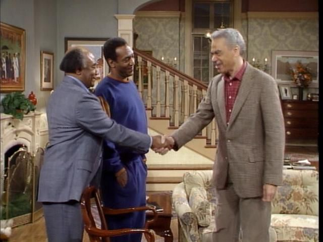 Note FP placement. Door to kitchen SR, DS of FP (there is actually a house logic to that, sharing the chimney between the living room and kitchen. Especially since I think the Huxtables were supposed to live in a townhouse in Brooklyn (Heights, maybe?) /// THE COSBY SHOW