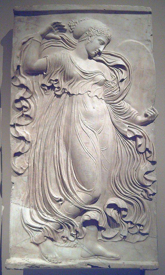 Menade danzante - Copia romana a rilievo di un originale greco scolpito ad Atene alla fine del V secolo a.C., tradizionalmente attribuito a Callimaco .  Madrid - Museo del Prado