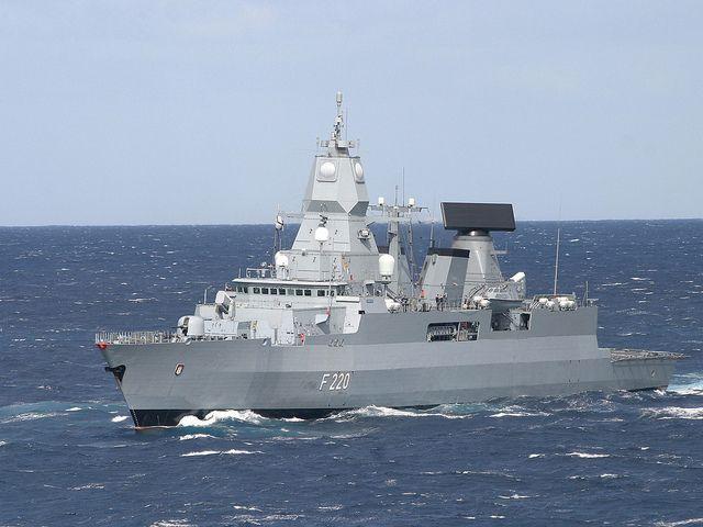 Fregatte HAMBURG by Bundeswehr-Fotos Wir.Dienen.Deutschland.
