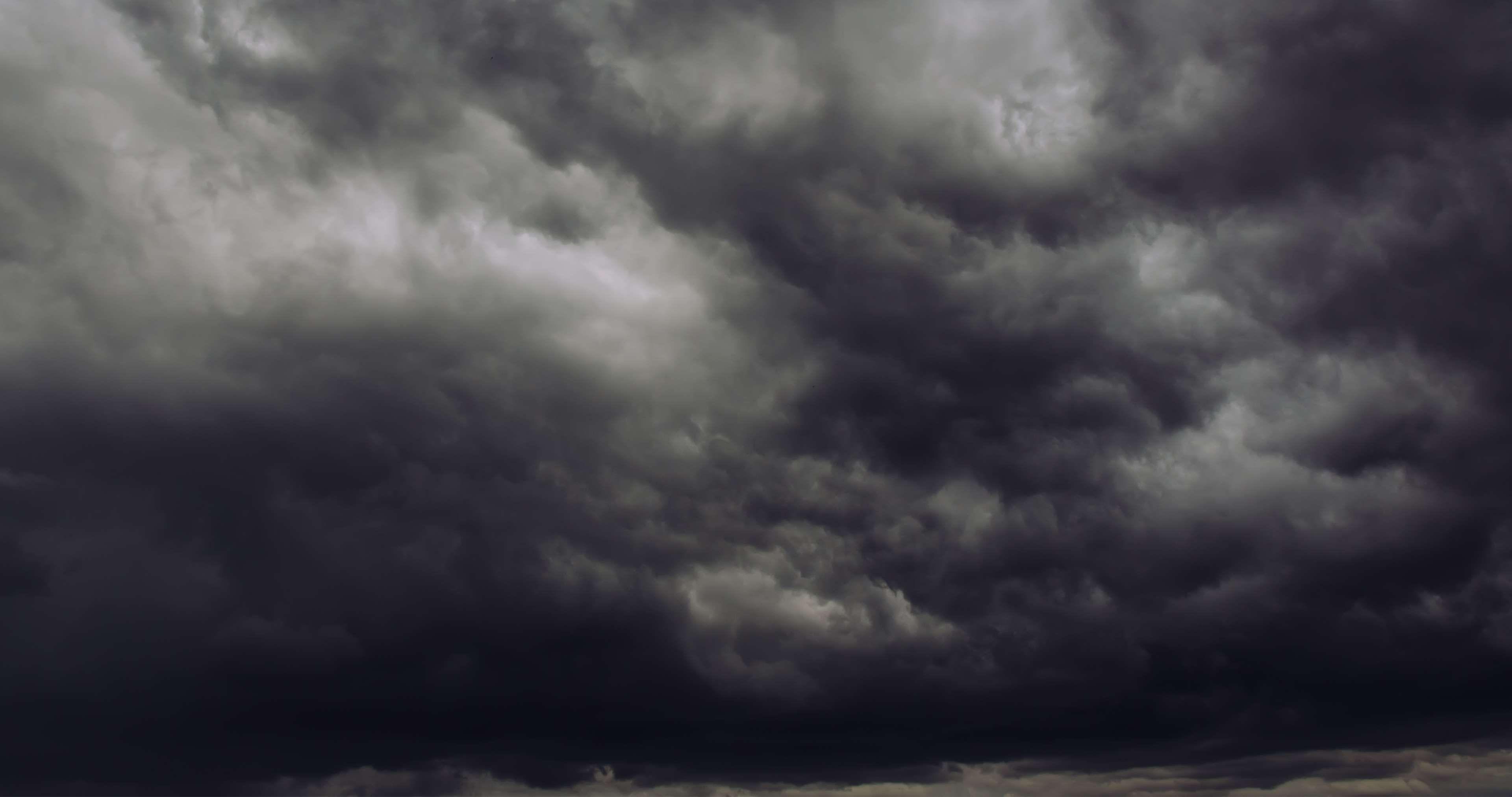Dark Clouds Storm Thunderstorm 4k Wallpaper Hdwallpaper Desktop Dark Clouds Storm Clouds Thunderstorm Clouds