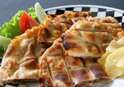 طريقة عمل عرايس اللحمة اللذيذة جدا Recipe Food Food And Drink Lebanese Recipes