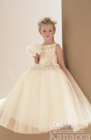 10  images about Flower girl on Pinterest - Wedding dress 2013 ...