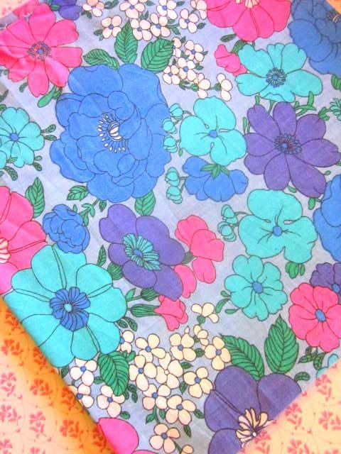 Length Of French Vintage Blue/Purple Florals