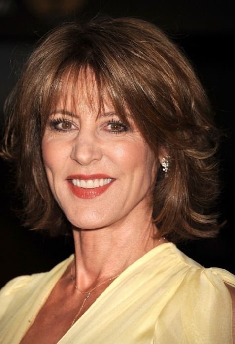 Short Hairstyles For Women Over 50 With Oval Face