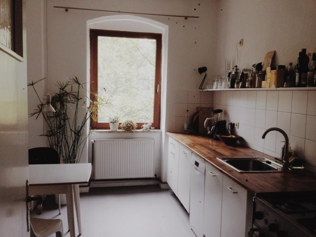 Kleine aber feine Küche mit Pflanzen. #küchenidee #wohnen #kochen ...